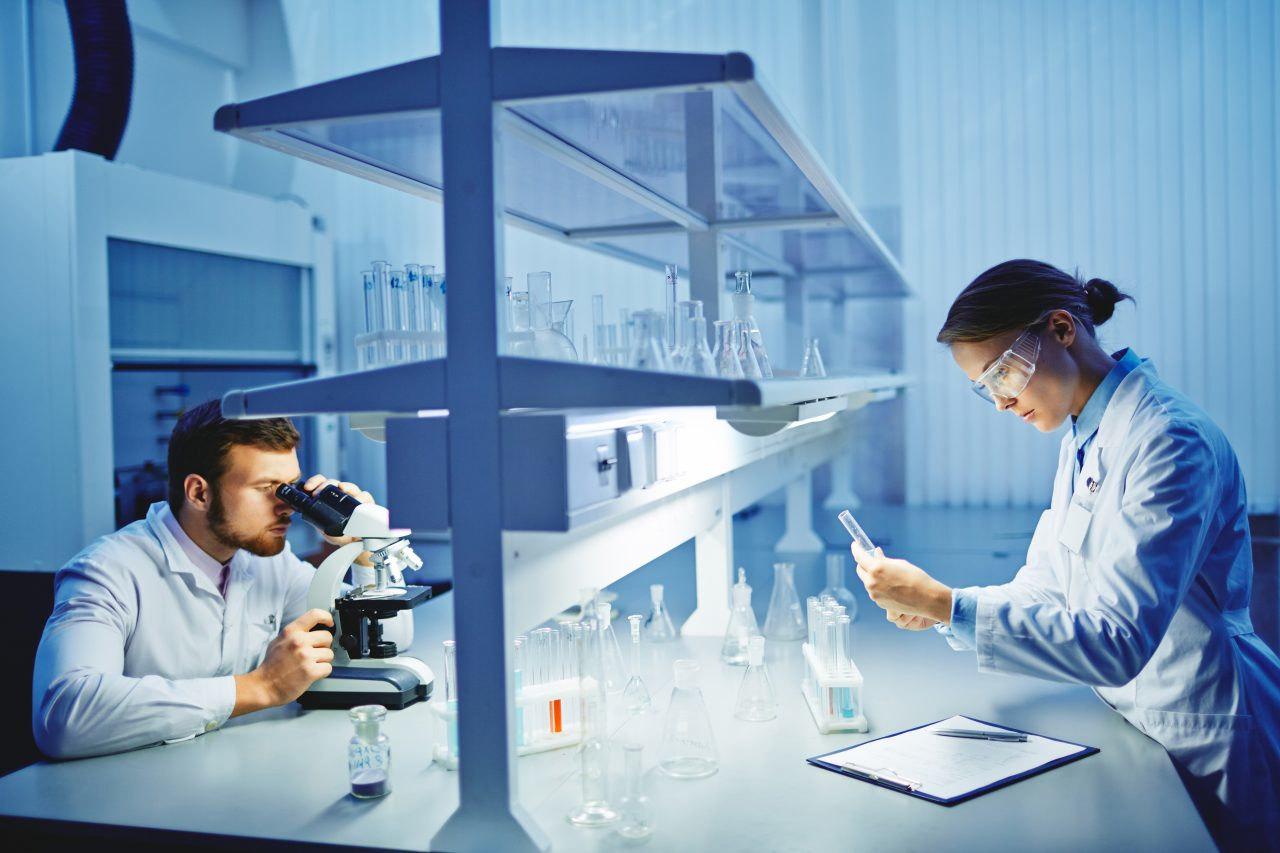 https://www.cannabispolandsa.com/wp-content/uploads/2019/09/laboratory-research-PNUWS5K-e1568898562281-1280x853.jpg